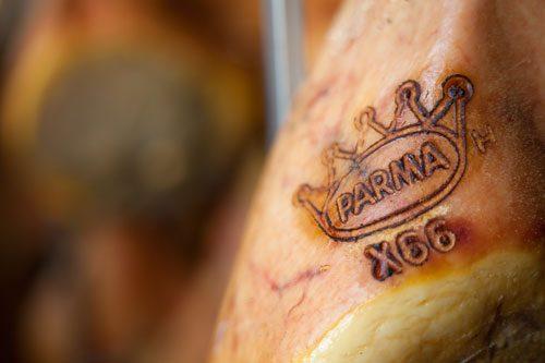 branding-parma-ham